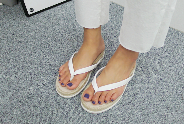 Straw leather slippers