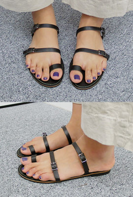 Leather buckle strap sandals