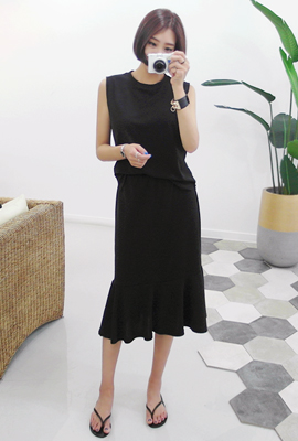 Simple navy flare two-piece set (second stock)