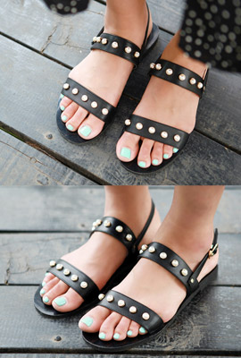 Pearl strap sandals