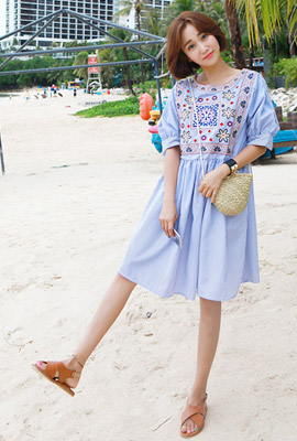 Color embroidery stripe dress (9th stock)