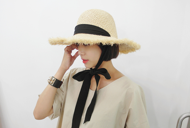 Long strap straw floppy hat (9th stock)