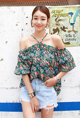 Colorful halter blouse (second stock)