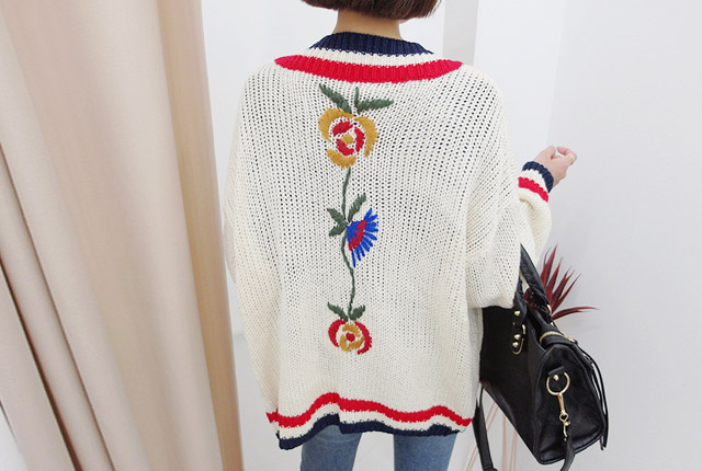 Flower Embroidery Knit Cardigan