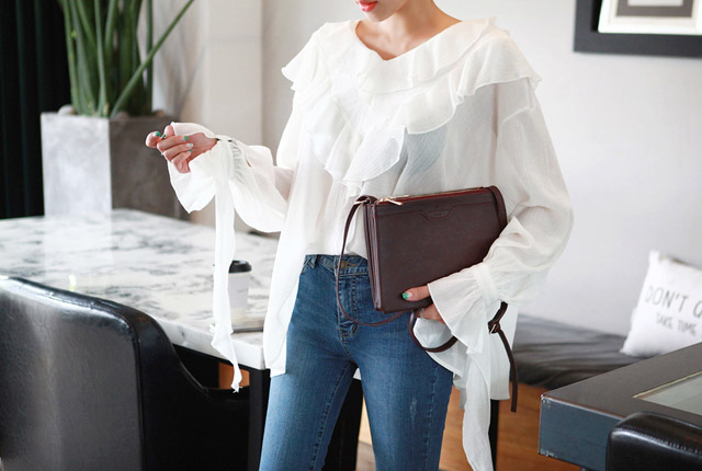Frill sleeved blouse (second stock)