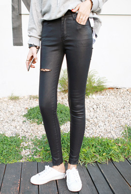 Leather Cutting Skinny Pants