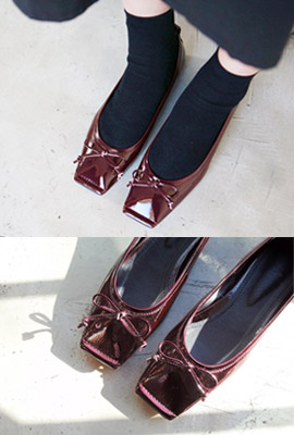 Square Leather Ribbon Flat Shoes