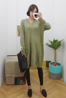 Simple V-neck Knit Dress (4th stock)