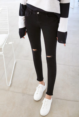Double Cutting Black Skinny Jean