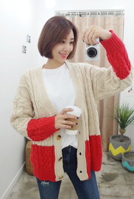 Knit cardigan with color scheme twine (second stock)