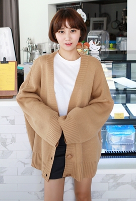 Flat button wide cardigan