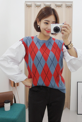 Diamond check knit blouse