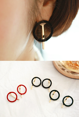 Velvet Circle Stick Earrings