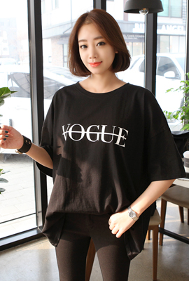 Vogue lettering short sleeve tee