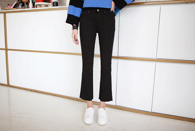 Cutting Boot Cut Pants (second stock)