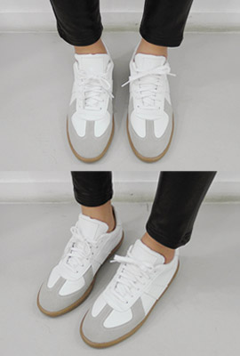 Leather vintage sneakers