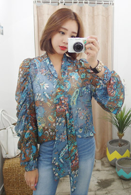 Flower Shirring Tie Blouse