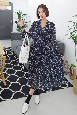 Floral Tie Pleated Dress